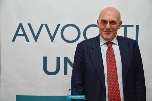 """""""Avvocati accattoni"""", il COA di Napoli nord chiede l'incontro con il Presidente dell'Unione regionale degli Ordini e con i presidenti delle camere civili e penali"""
