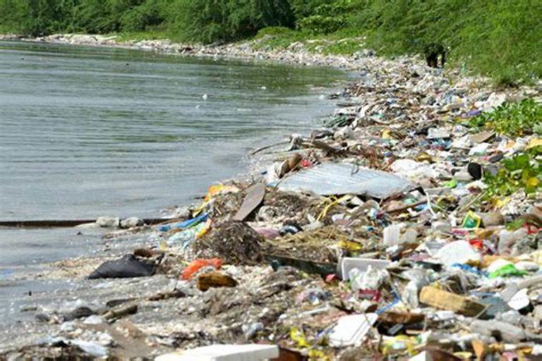"""Il Comune di Poggiomarino contro la plastica, parte il """"Plastic free"""""""