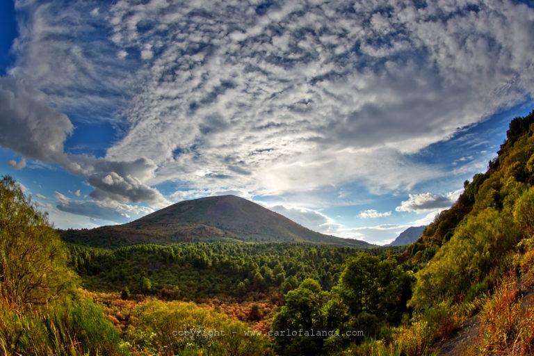 """Ottaviano. """"La montagna ci invita"""", tornano le escursioni sul Vesuvio"""