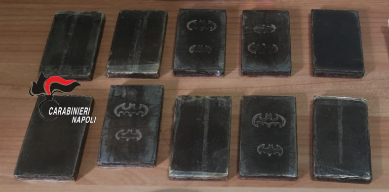 "Ischia. Hashish con il logo di ""Batman"", arrestato incensurato di Forio"