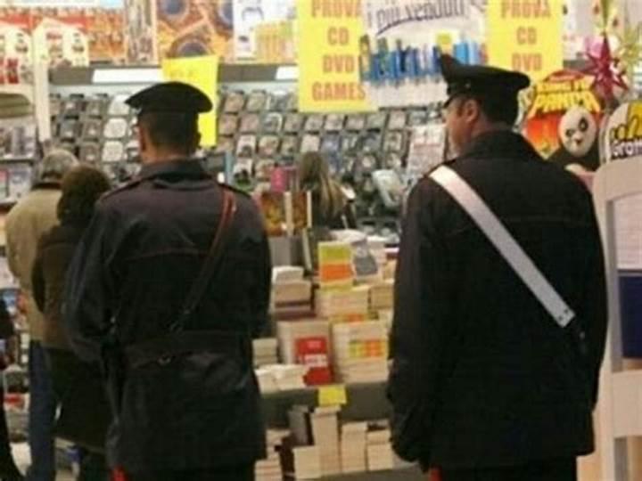 Famiglia ruba televisore al discount, fermati dai carabinieri