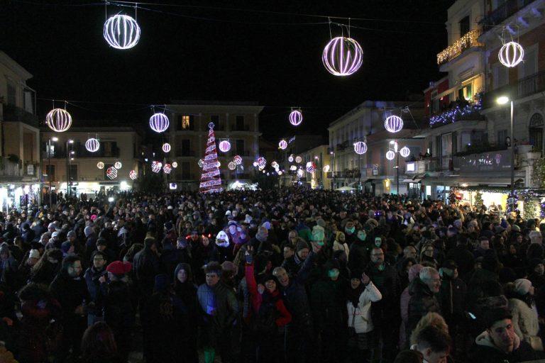 Pozzuoli saluta il 2019 con le Vibrazioni, Luchè e Flo