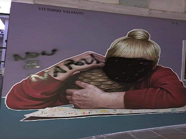 """Atto omofobo e vandalico all'opera """"Tarantina"""", domani la manifestazione"""