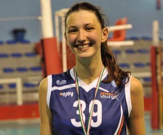 Sofia Carpio, giovane campionessa dell'Arzano Volley, convocata in nazionale
