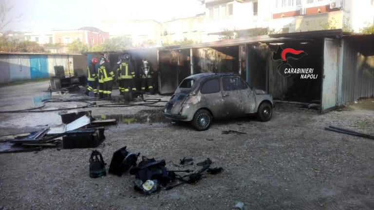 Incendia dieci box auto, arrestato commerciante del posto