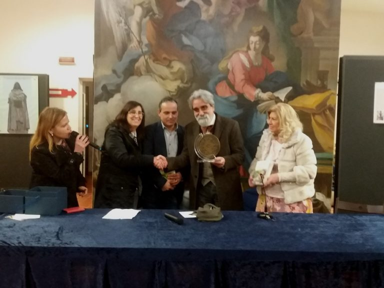 """Premio letterario """"Il Candelaio"""", la premiazione a Villa Minieri a Nola"""