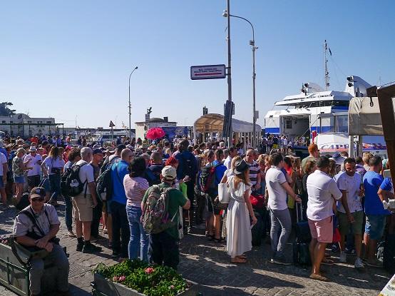 Capri: No ai flussi turistici incontrollati!