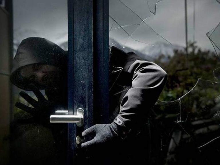 Casoria. Casa derubata durante le vacanze: ladri beccati dai carabinieri