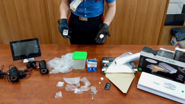 Afragola. Due giovani fratelli arrestati dai carabinieri per cocaina