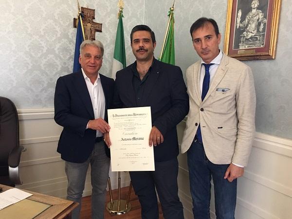 Cavalierato Antonio Merone, i complimenti del sindaco Abete