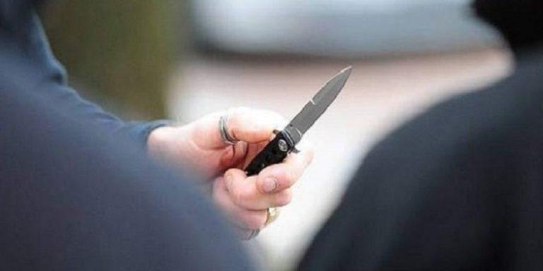 Ruba coltello in pizzeria e poi tenta rapina in un bar di Vico Equense