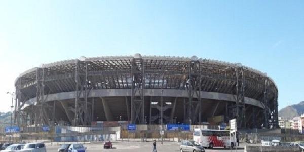 Vendita alimenti e gadget fuori lo stadio San Paolo, il bando
