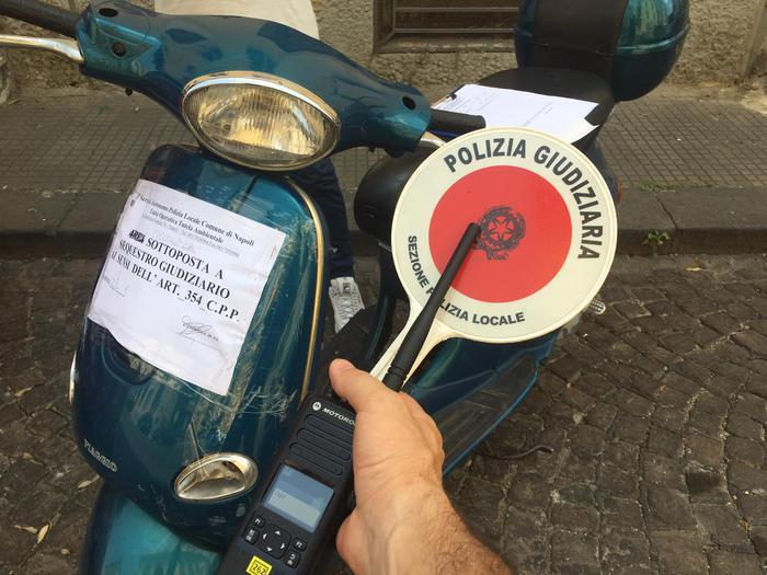 Scommessa Balotelli, ritrovato lo scooter nel centro di Napoli