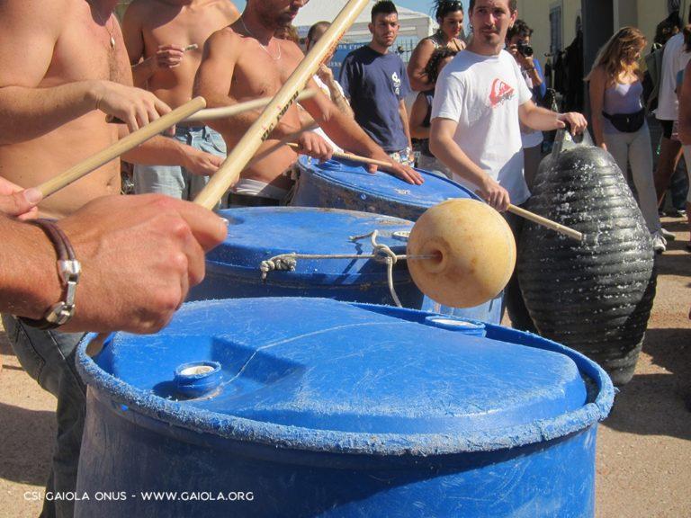 (Ri)Percussioni Marine, il concerto con i rifiuti raccoli alla Gaiola