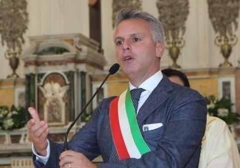 """Condoni, proposta del sindaco di Ottaviano: """"Modifica alla legge regionale"""""""