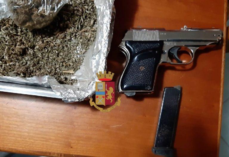 Documenti falsi, droga e arma giocattolo in una villetta di Pollena Trocchia