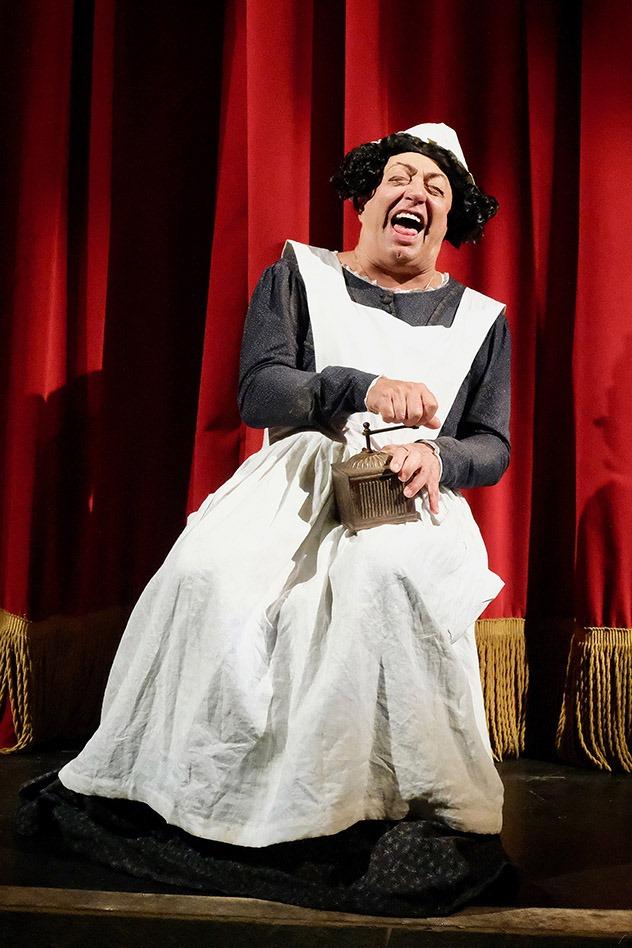 "Teatro Augusteo, Peppe Barra in ""I cavalli di Monsignor Perrelli"""