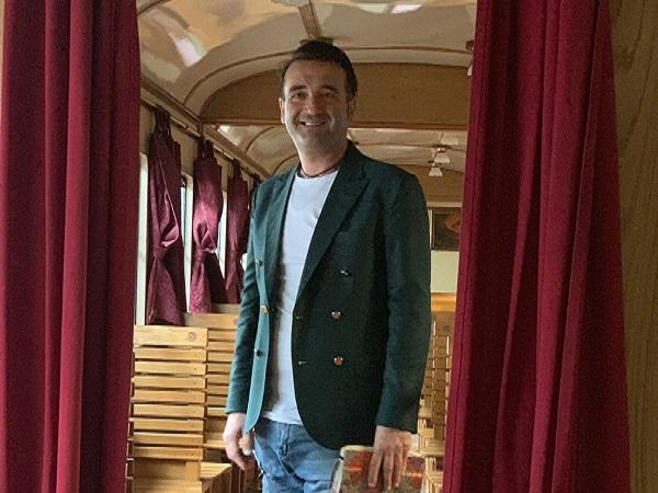 Alta moda e storia, la particolare sfilata del famoso stilista Raffaele Tufano
