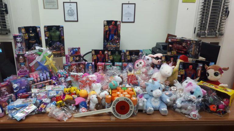 Natale sicuro, sequestrati a Napoli 800 giocattoli