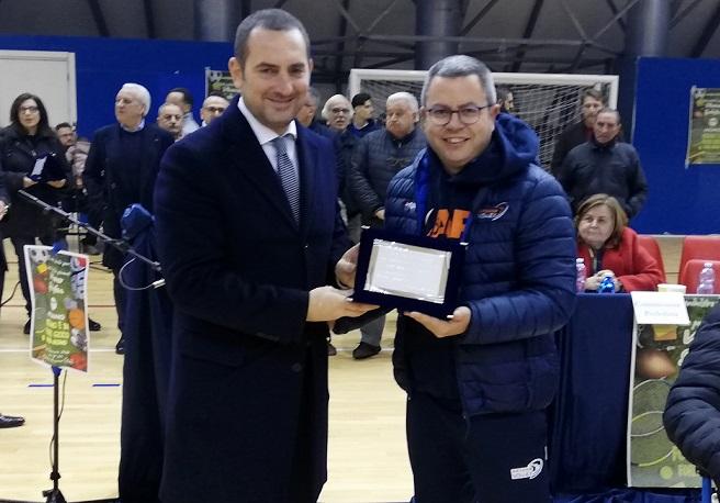 Arzano Volley: il D. T. Antonio Piscopo premiato dal Ministro dello Sport Vincenzo Spadafora