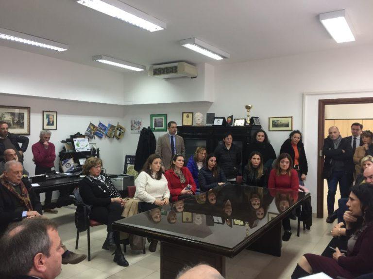 Parassiti intestinali: riunione tra preside, sindaco, medici e genitori