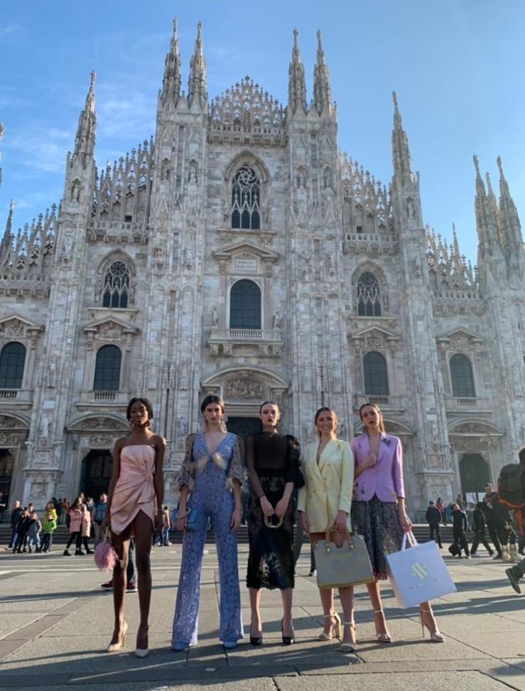 Gli abiti di Tufano incantano Milano: successo per lo shooting in piazza