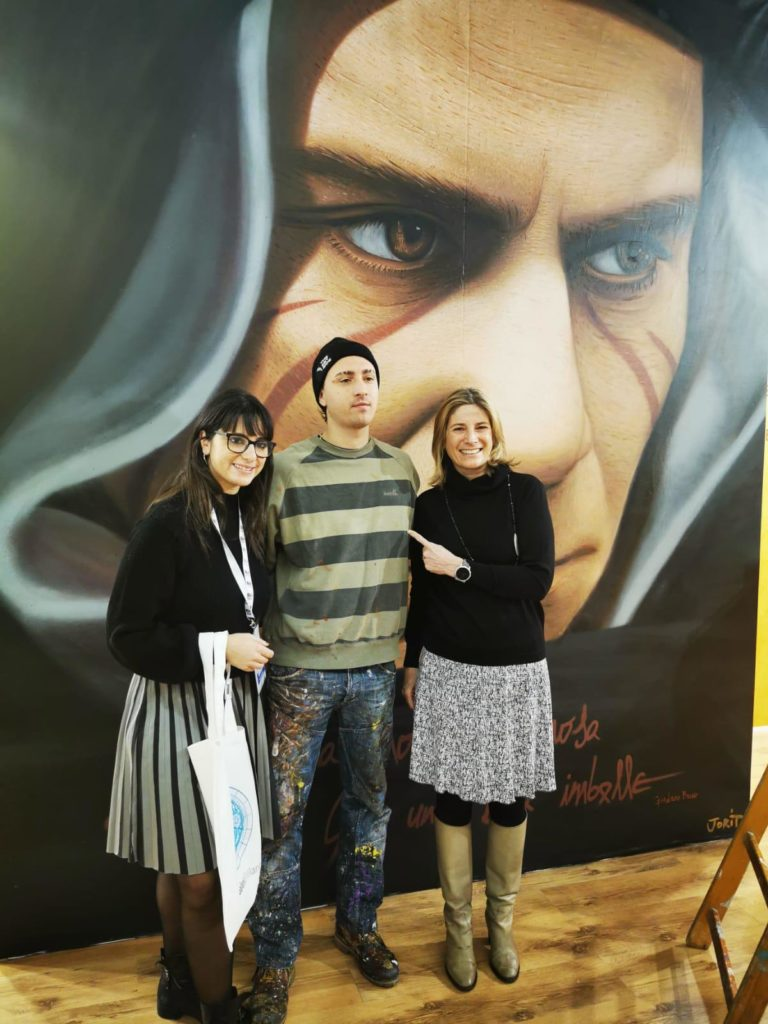 L'assessora de Majo consegna al Comune di Milano la tela di Jorit