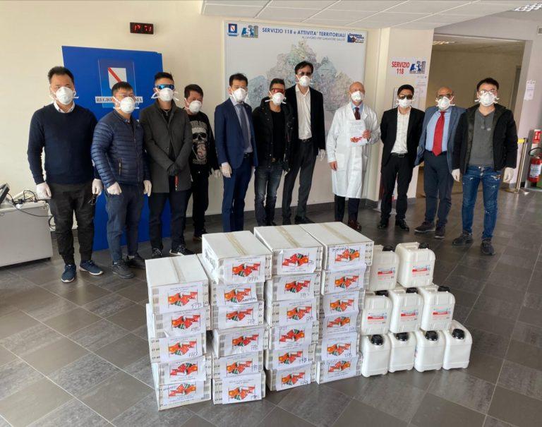 Coronavirus, la comunità cinese dona mascherine ed igienizzanti