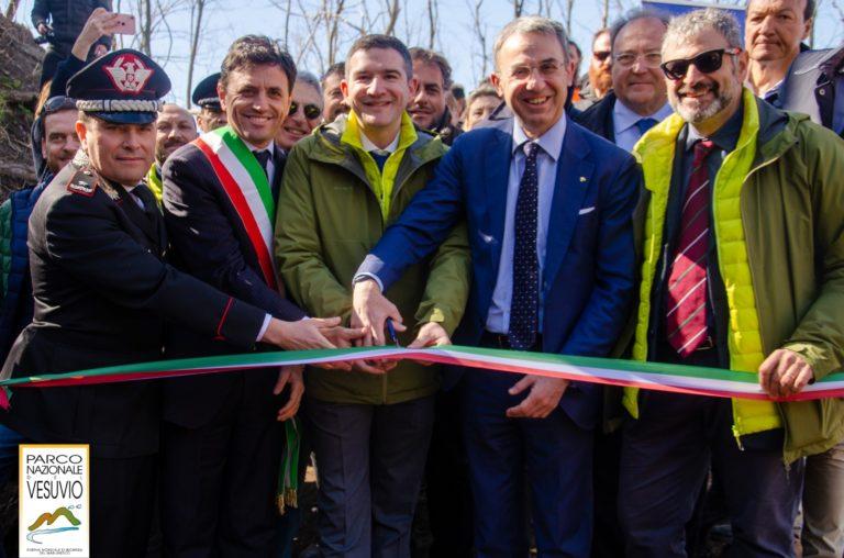 """Parco Nazionale del Vesuvio, inaugurato sentiero """"Il fiume di Lava"""""""