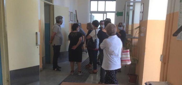 sant'anastasia protesta biblioteca siani