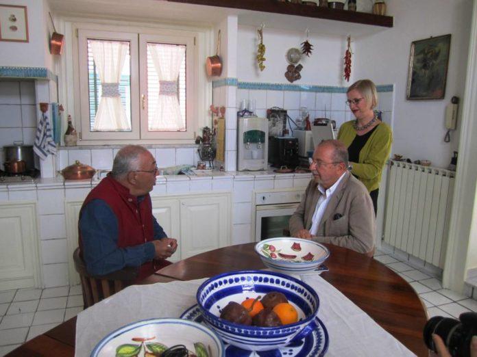 Marino Niola ed Elisabetta Moro a pranzo con Peppe Barra - Uno dei video del Museo Virtuale della Dieta Mediterranea