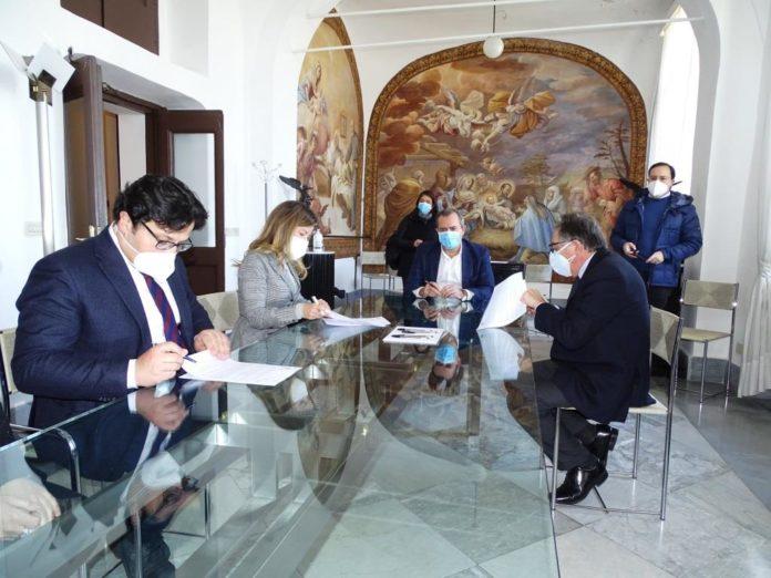 Firma Convenzione Comune di Napoli Unisob